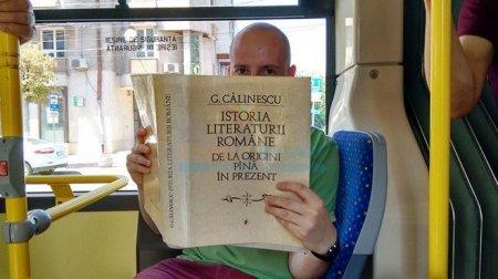 Bu Ölkədə Kitab Oxuyana Avtobus Pulsuzdur.