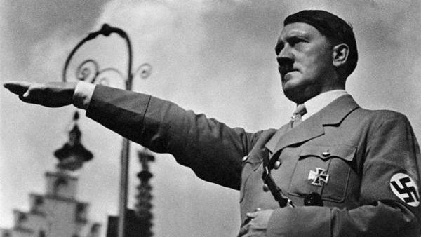 Hitler deyib ki ...